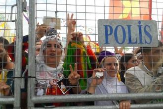 HDP'li sandık görevlilerine ev baskını: Çok sayıda gözaltı var