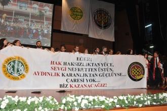 Cerrahpaşa'nın mezuniyet törenine bölünme protestosu damga vurdu