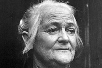 Clara Zetkin'i hatırlayalım; Kadınların oy hakkını verin!