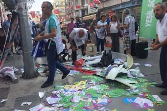 İzmir'de Yeşiller Sol ve Gelecek Partisi'nin HDP standına saldırı