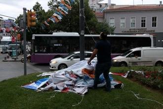 Partilerin 24 Haziran bayrak ve afişleri toplanmaya başladı