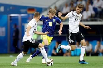 Kroos'tan son dakikada hayat öpücüğü: Almanya 2-1 İsveç
