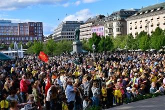Stockholm'de binler, ırkçılığa karşı Jimmy Durmaz'a destek verdi