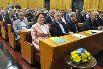 İYİ Parti'de İzmir ve Antalya teşkilatı istifa etti