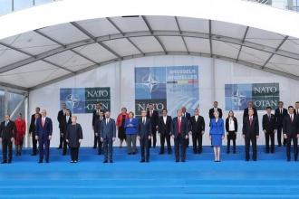 NATO zirvesi Trump kriziyle başladı, Trump kriziyle bitti