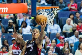 Los Angeles Lakers, Michael Beasley'i kadrosuna kattı