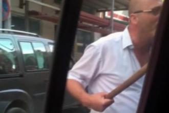 Taksi şoförü ile UBER sürücüsü arasında sopalı tartışma