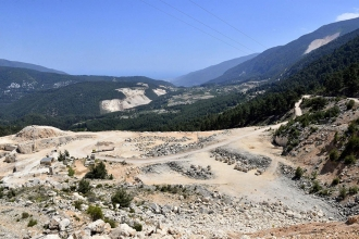 Antalya'nın 4'te 1'i için taş ocağı tehlikesi