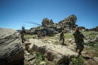 Hakkari'deki operasyonlarda 1 asker yaşamını yitirdi
