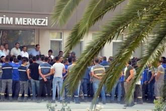 EnerjiSa işçisi öfkeli: Sendikacılar bizi değil patronu iyi savunuyor
