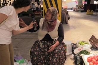 Pazarda kadınlarla ekonomiyi konuştuk: Yaşama şansı bırakmıyorlar