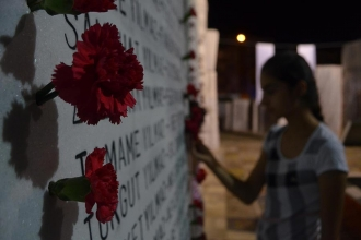 17 Ağustos Depremi'nde yaşamını yitirenler anılıyor