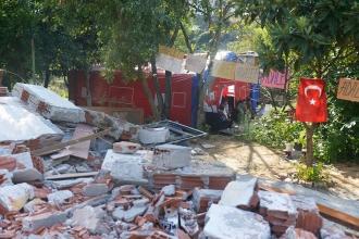 Tapu beklerken evleri yıkılan vatandaşlar çadırda yaşıyor