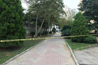 Kadıköy'de parkta oturan bir kişi bıçaklanarak öldürüldü