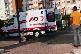 Sağlıkçı, yardım etmek istediği yaralının saldırısına uğradı