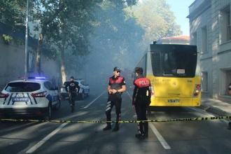 Kabataş Erkek Lisesi'nde yangın: Kontrol altına alındı