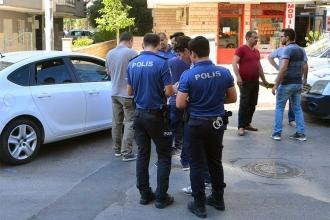 Polis, ucuz perde için tartıştığı kişiyi vurdu