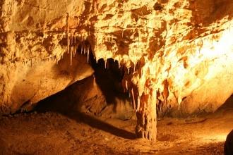 Tarihin en eski çizimi Güney Afrika'daki Blombos Mağarası'nda bulundu