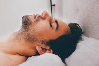 Bilim insanları zararlı uyku türlerini açıkladı