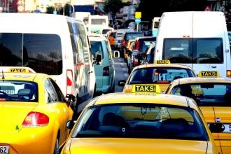 Okullar açıldı, Adana'da trafik sorunu arttı