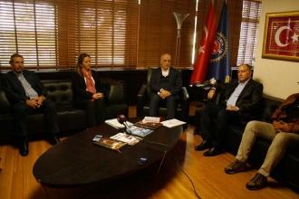 DİSK'ten Türk-İş'e 'krize karşı mücadele' ziyareti