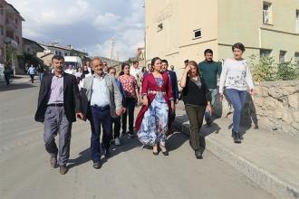 Hakkari halkı Leyla Güven'i aralarında istiyor