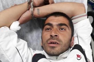 Kadıköy'de bir kişi önüne gelen 9 kişiyi bıçakladı