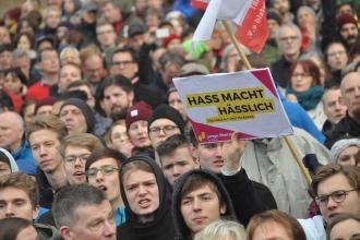 Almanya'da ırkçılar 9 ayda 12 bin 613 suç işledi