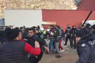 Polis, Gümüşhane taraftarına cop ve biber gazıyla saldırdı: 10 gözaltı