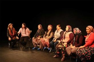 Toroslardan Almanya'ya uzanan Arslanköy Kadınlar Tiyatrosu