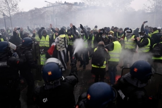 Popular movements and police violence from Gezi to the Yellow Vests