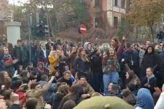 Arnavutluk'ta öğrencilerin harç protestosu sürüyor