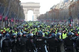 Macron: Ülkemizin sükunete, düzene ihtiyacı var