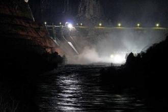 Kral Kızı Barajı kapaklarından biri koptu, su baskını uyarısı yapıldı