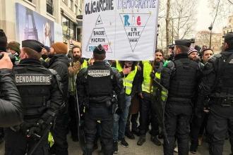 Paris'te sarı yelekliler eylemleri sürüyor: 168 kişi gözaltına alındı