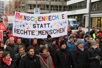 Almanya'da ırkçılığa karşı eylem: İşçilerin bayrağında ırkçılık yoktur