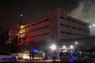 Avcılar'daki bir dondurma fabrikasında yangın çıktı