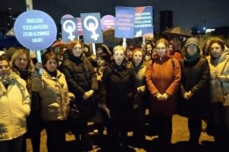 Bursa'da yurt önünde tacize kadınlardan tepki: Güvenli kentler istiyoruz