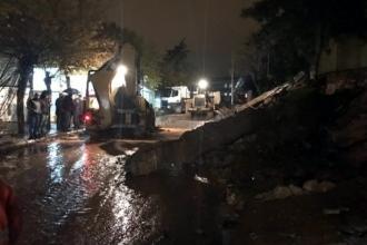 Urfa'da sağanak yağış hayatı felç etti