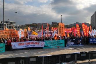 """İstanbul Emek, Barış ve Demokrasi Güçleri, """"insanca yaşam"""" talebiyle sokağa çıktı"""