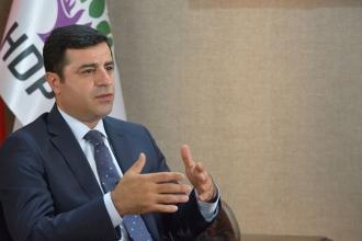 Demirtaş'tan Milletvekili Murat Sarısaç'ın plakasız araçla takibine ilişkin açıklama