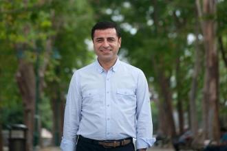 Demirtaş'tan Elazığ depremi mesajı: Halkımız dayanışmasını sürdürecektir