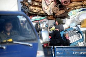 İdlib'den Türkiye sınırına gelen mültecilerin sayısı 480 bini geçti