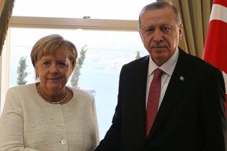 Erdoğan ve Merkel, İdlib gündemiyle telefonda görüştü