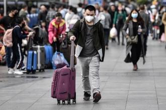 Dr. Mete Cüce: Toplu yaşam alanlarına gitmek zorundaysanız maske takın