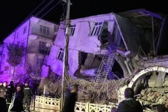 Elazığ'da 6.8 büyüklüğünde deprem: 15 kişi hayatını kaybetti