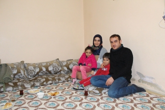 Kaya ailesinin hayali eve koltuk, çocuklara yatak almak