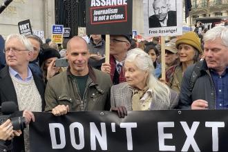 Londra'da Julian Assange'a destek eylemi