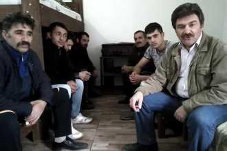 Gürcistan'ta koronavirüs nedeniyle mahsur kalan 10 işçi yardım istedi