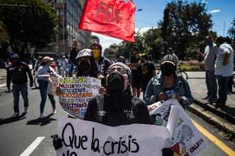 Ekvador'da halk hükümetin kemer sıkma politikalarını protesto etti